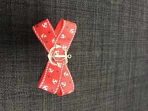 Rød sailor sløjfe med anker