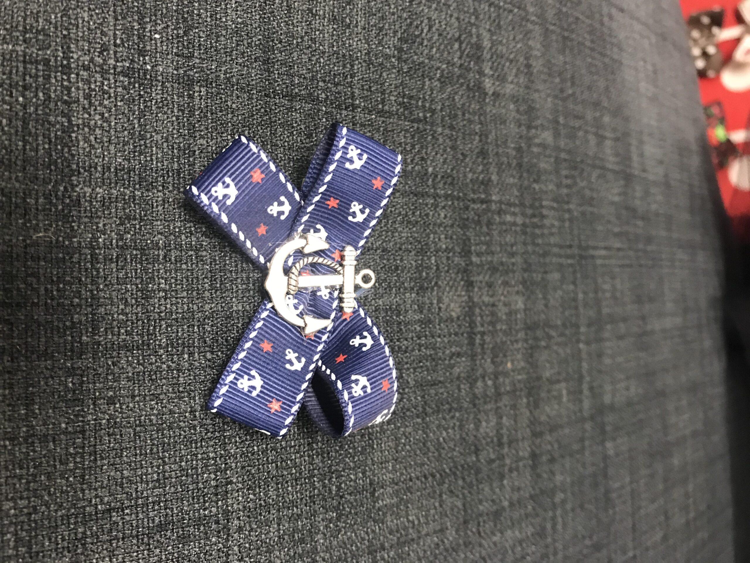 Blå sailor sløjfe med anker