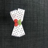 Hvid sløjfe - kirsebær