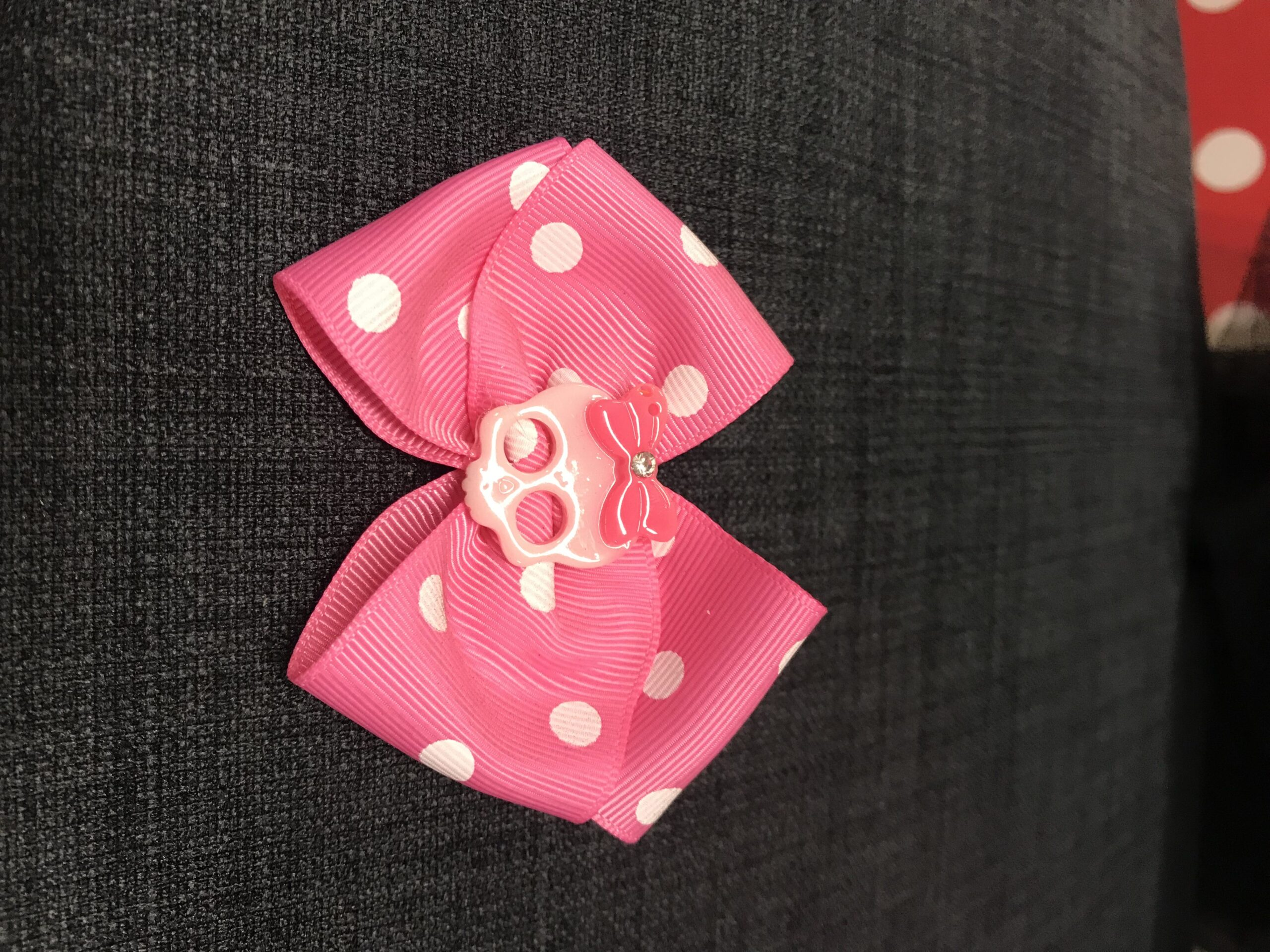 Pink sløjfe med pink skull