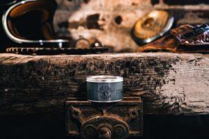 oilcan grooming blue collar